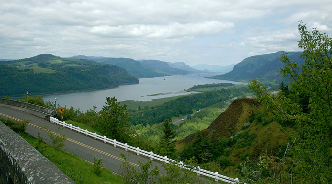 Cascade Lakes Scenic Byway - Photo by Ben Stanfield | I-5 Exit Guide